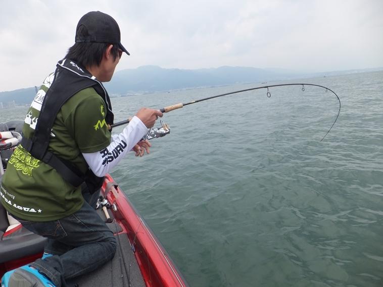 琵琶湖プロガイドでデカバス