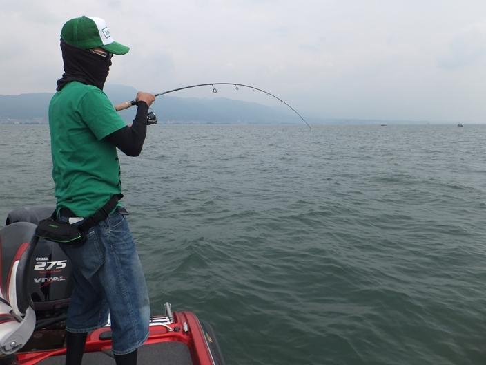 琵琶湖ガイドでデカバス